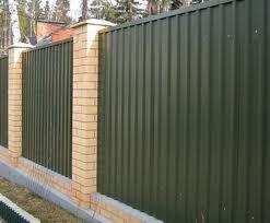 Как выбрать забор для дачи