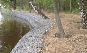 Укрепление берегов искусственного водоема